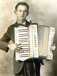 Robert Wachendorf on Accordion